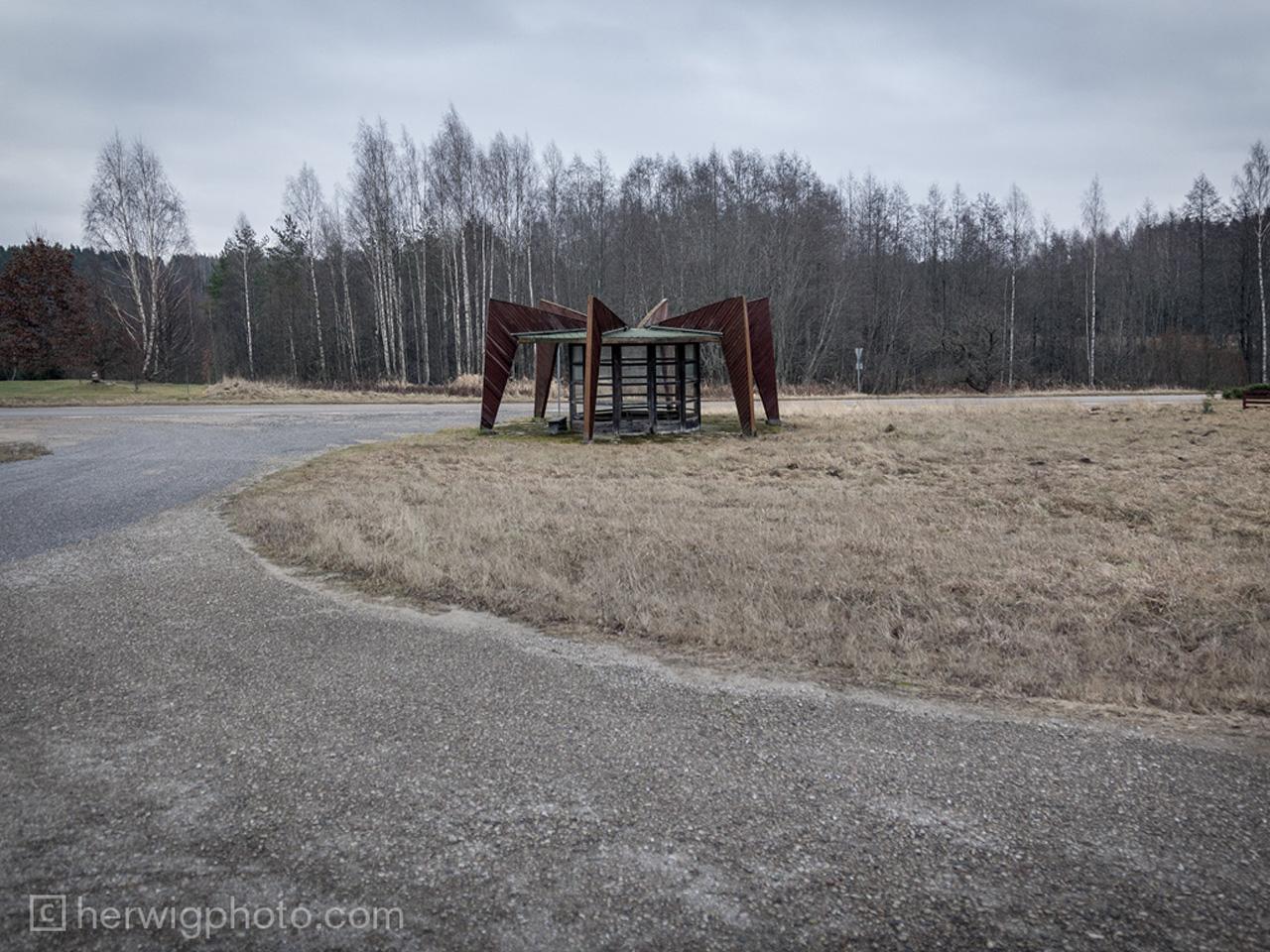 531daab7c07a806cd90002a3_a-collection-of-striking-soviet-bus-stop-designs_niitsikuestonia