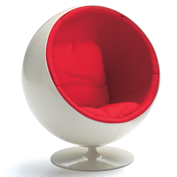 Miniature-Ball-Chair-Eero-Aarnio-1965.-All-images-courtesy-Vitra-Design-Museum