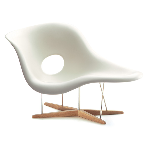 Miniature-La-Chaise-Charles-Eames-1948.-All-images-courtesy-Vitra-Design-Museum