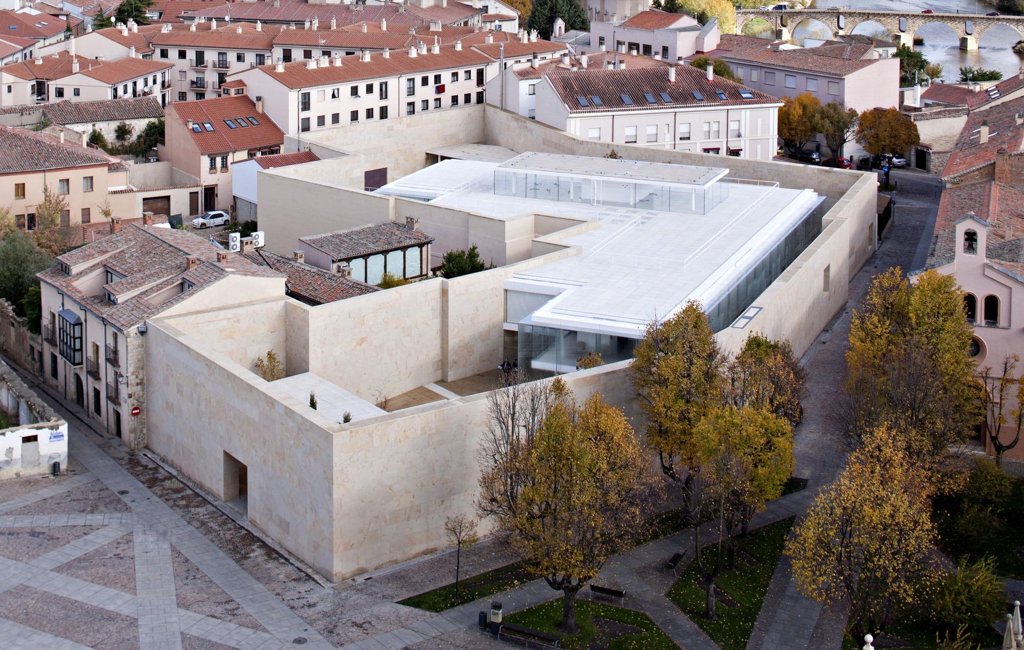 Zamora Offices by Alberto Campo Baeza, Photo by Javier Callejas Sevilla